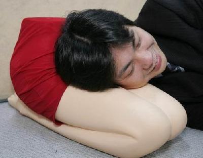 日本人的变态发明:美女乳房挤出酒 中国搜索国际