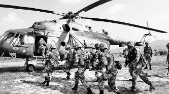 媒 比拼 中美特种部队 中国装备先进作战勇猛