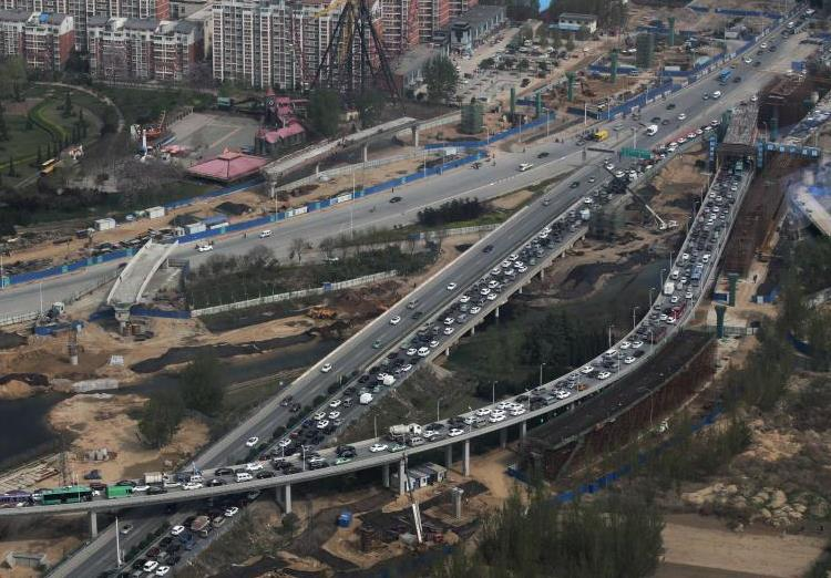 郑州百层高楼俯视大堵车